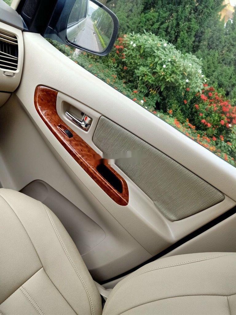 Cần bán gấp Toyota Innova năm 2008, xe tư nhân cần bán với giá ưu đãi (11)