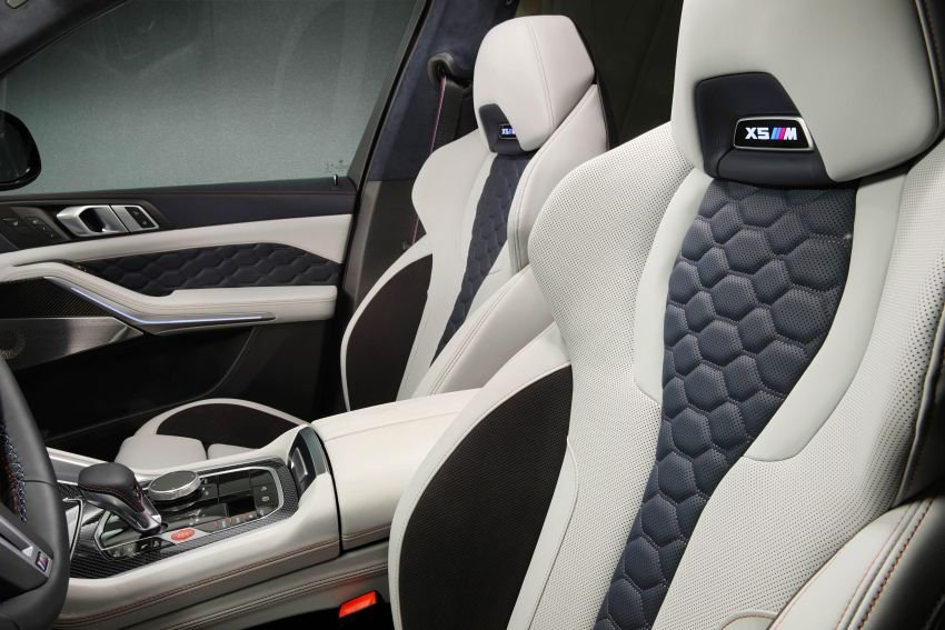 BMW X5, X6 trang trí đẹp mắt.