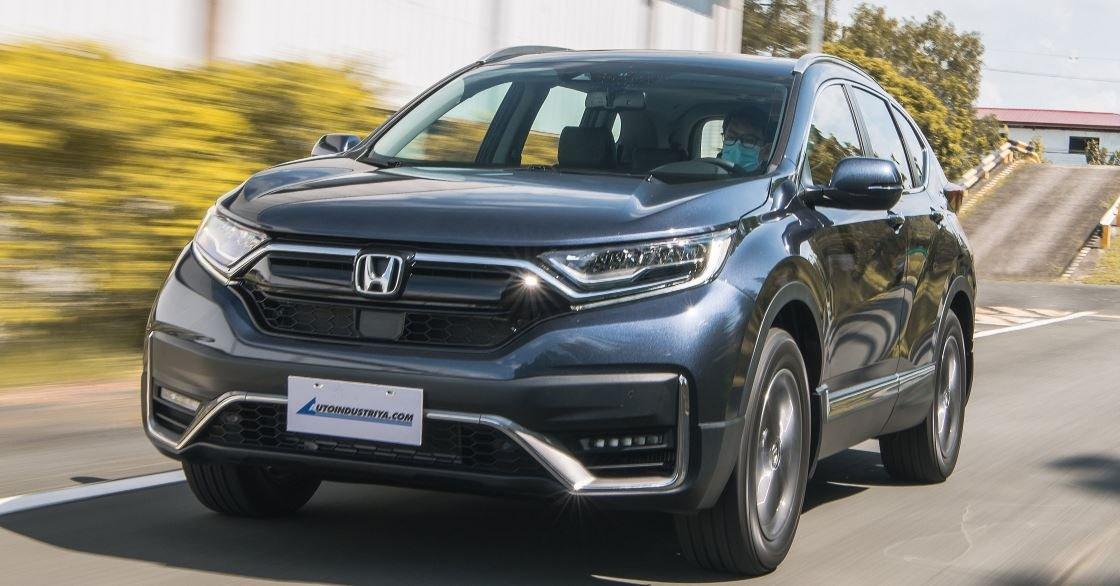 Honda CR-V 2021 báo giá hơn 800 triệu đồng.