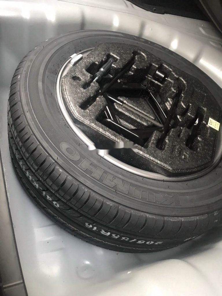Bán xe Hyundai Elantra sản xuất 2018 còn mới (7)