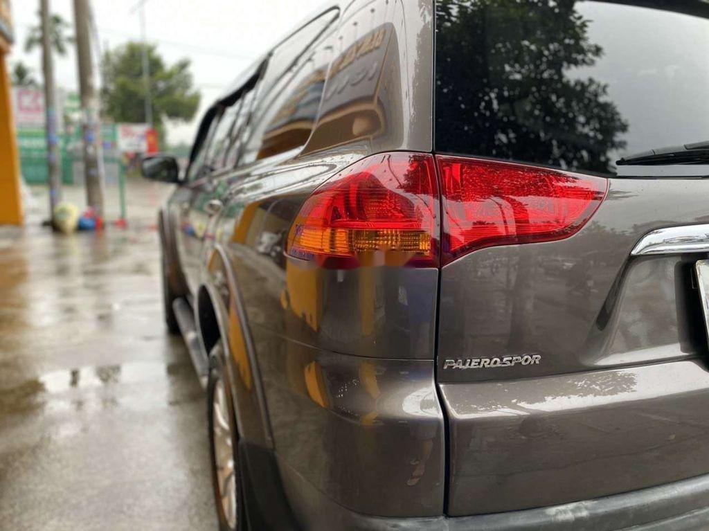 Bán nhanh với giá thấp chiếc Mitsubishi Pajero Sport 2011 số tự động (5)