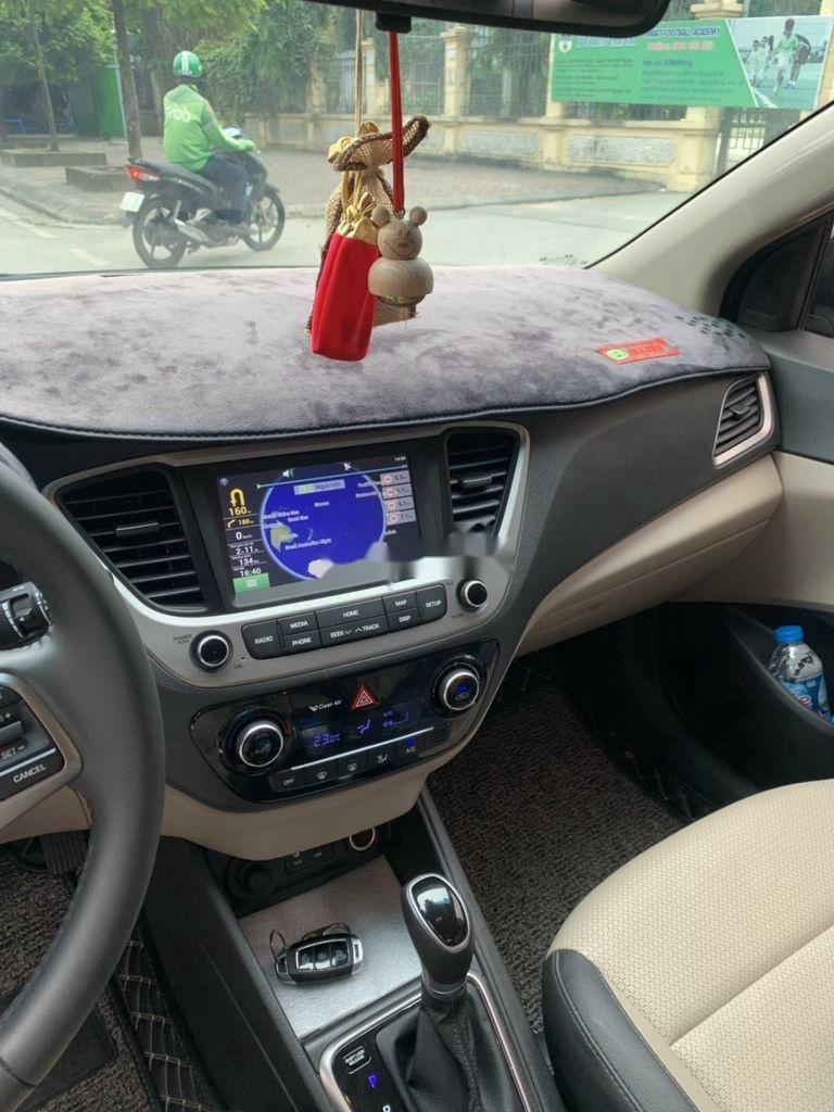 Bán gấp chiếc Hyundai Accent sản xuất năm 2020, giá tốt (6)