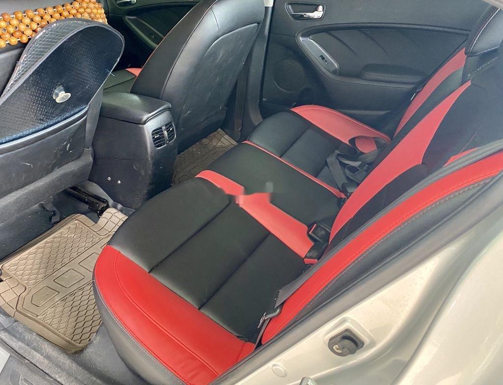 Cần bán lại xe Kia K3 năm sản xuất 2015 còn mới (10)