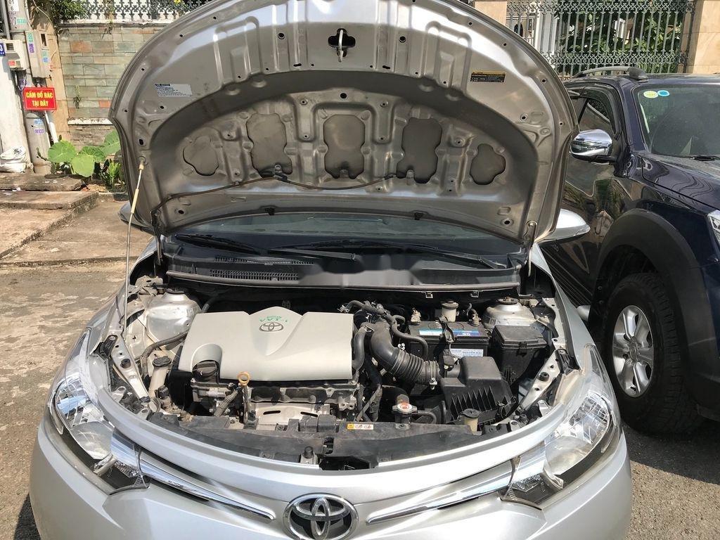 Cần bán xe Toyota Vios sản xuất 2017, màu bạc xe gia đình, giá chỉ 410 triệu (11)