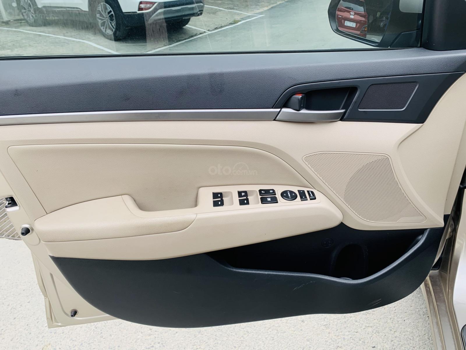 Bán Hyundai Elantra 1.6AT 2018 đăng ký 2019 (11)