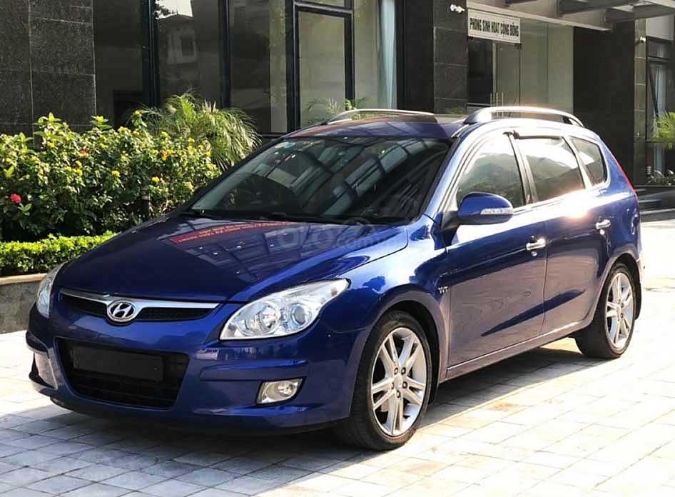 Cần bán gấp Hyundai i30 sản xuất 2010, màu xanh lam, xe nhập còn mới (1)