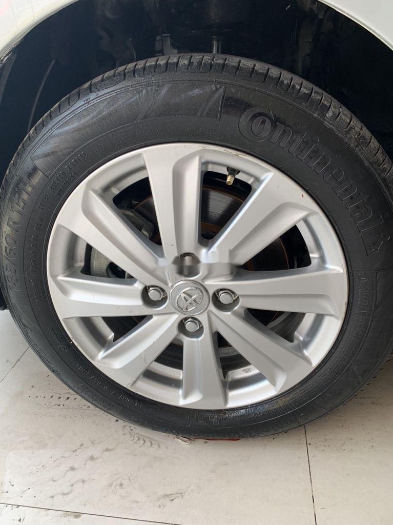 Cần bán xe Toyota Vios sản xuất 2015, màu bạc số sàn, 318tr (12)