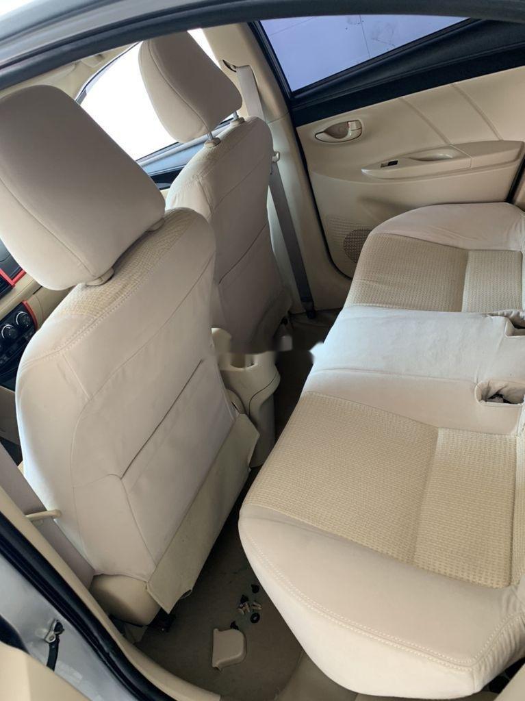 Cần bán xe Toyota Vios sản xuất 2015, màu bạc số sàn, 318tr (11)