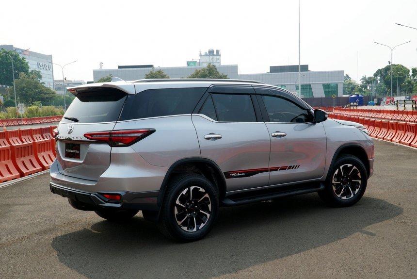 Toyota Fortuner TRD Sportivo 2021 hấp dẫn cực đỉnh.