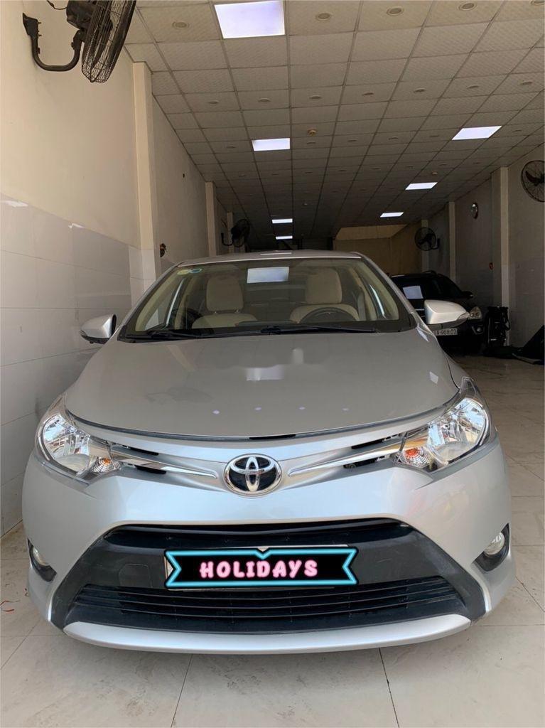 Cần bán xe Toyota Vios sản xuất 2015, màu bạc số sàn, 318tr (1)