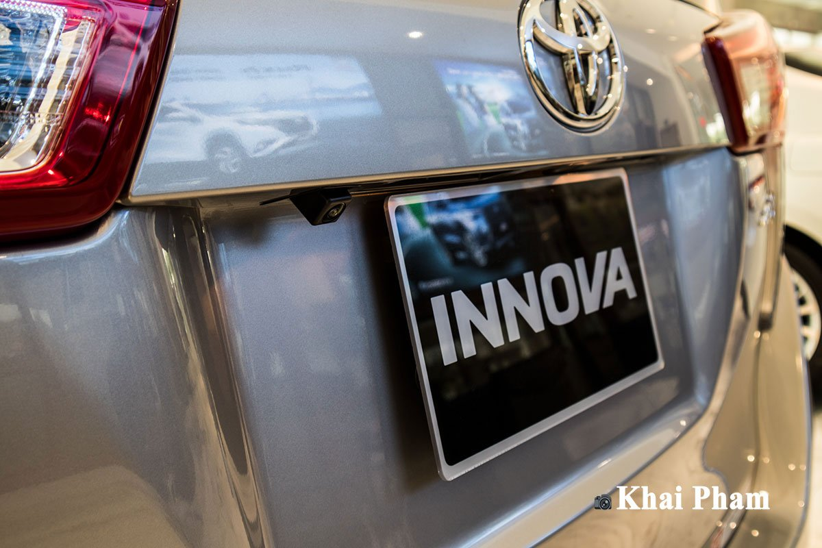 Ảnh Camera lùi xe Toyota Innova 2020