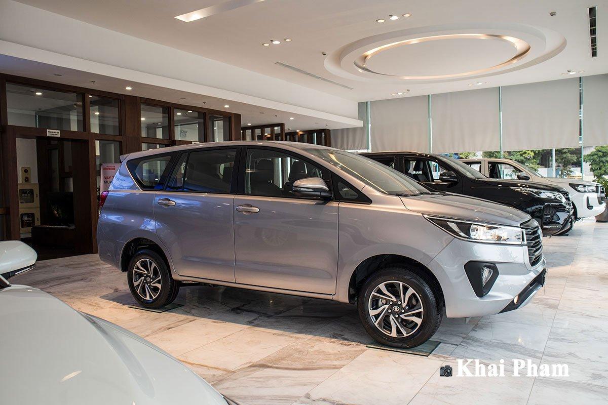 Ảnh Thân xe Toyota Innova 2020