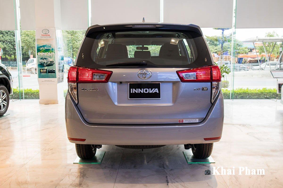 Ảnh Đuôi xe Toyota Innova 2020
