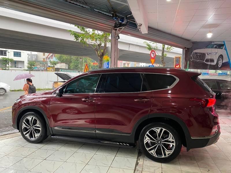 Xe Hyundai Santa Fe năm sản xuất 2020 còn mới (1)