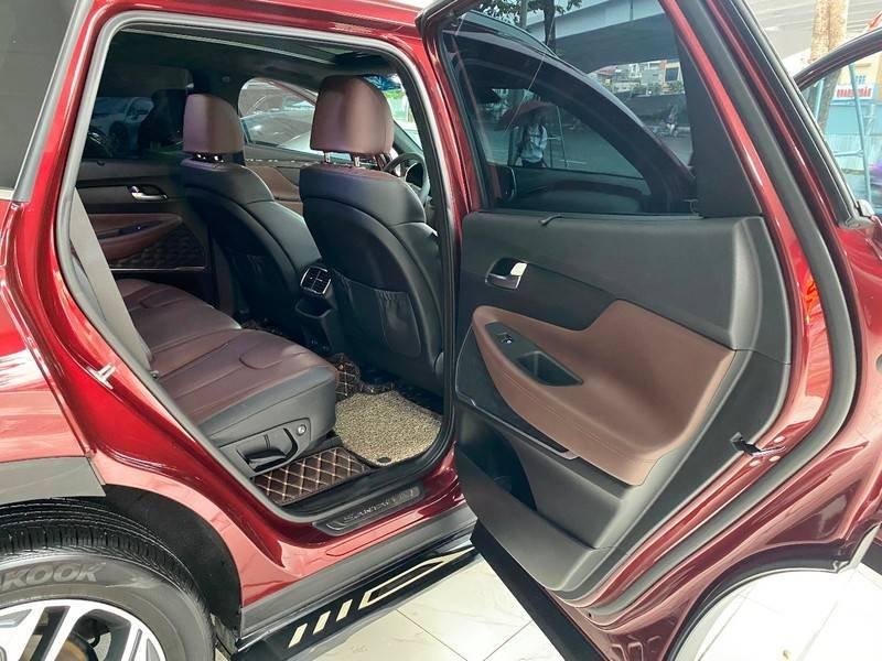 Xe Hyundai Santa Fe năm sản xuất 2020 còn mới (5)