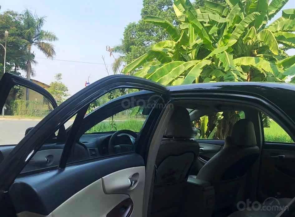 Cần bán Toyota Corolla Altis năm sản xuất 2010, màu đen còn mới, giá chỉ 399 triệu (2)