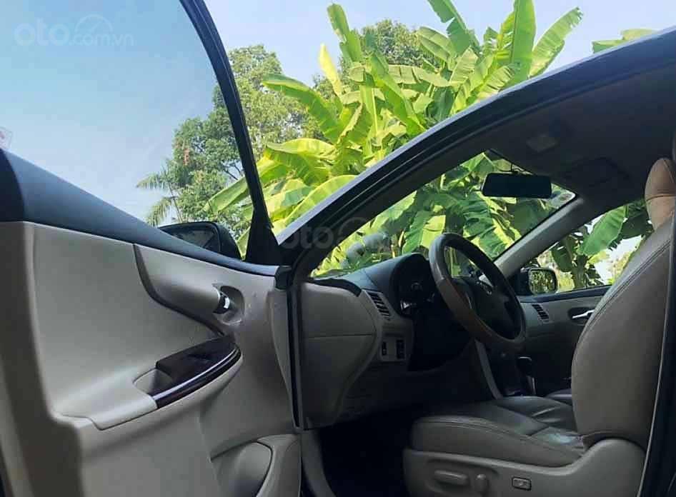 Cần bán Toyota Corolla Altis năm sản xuất 2010, màu đen còn mới, giá chỉ 399 triệu (3)