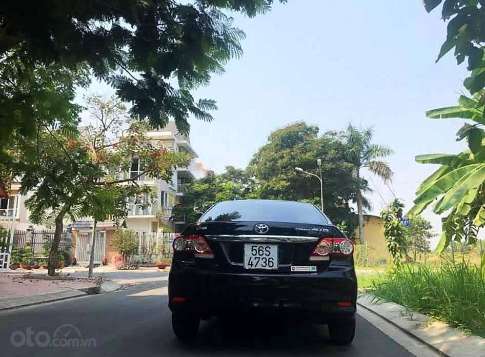 Cần bán Toyota Corolla Altis năm sản xuất 2010, màu đen còn mới, giá chỉ 399 triệu (4)