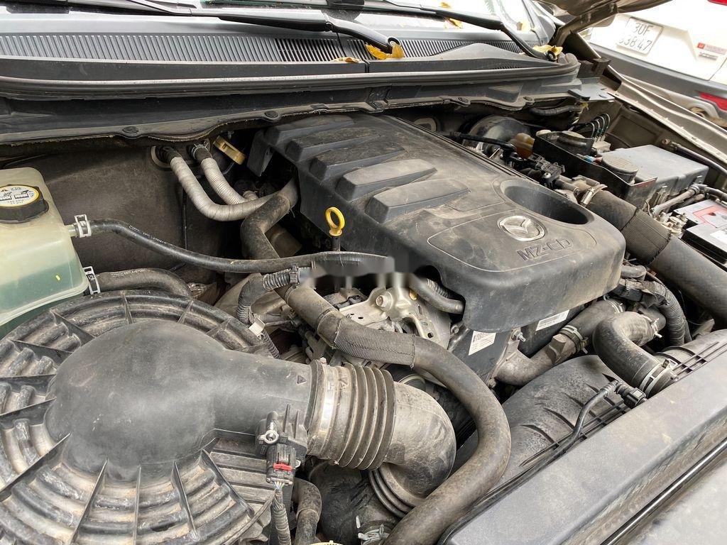 Chính chủ bán Mazda BT 50 năm sản xuất 2015, màu vàng, xe nhập (11)