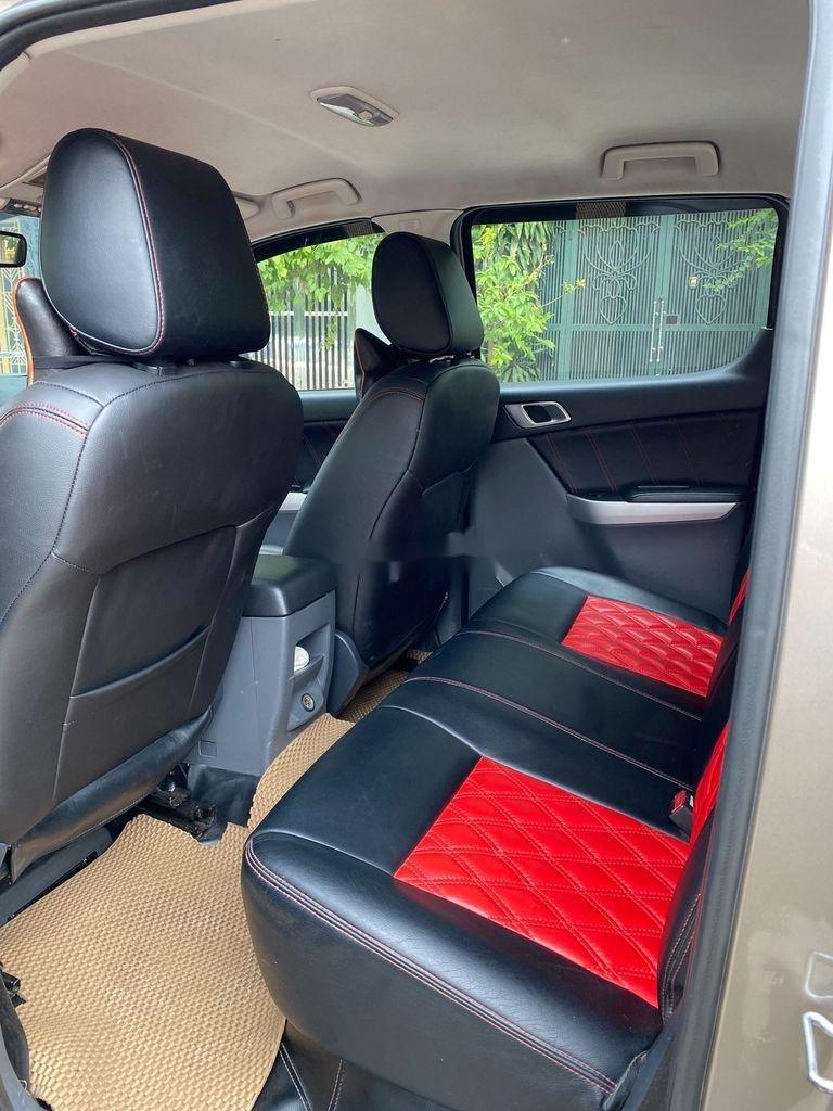 Chính chủ bán Mazda BT 50 năm sản xuất 2015, màu vàng, xe nhập (9)