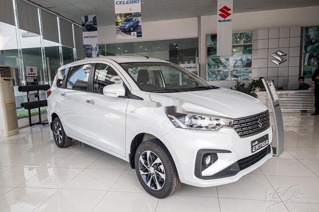 Cần bán xe Suzuki Ertiga sản xuất 2020, màu trắng, nhập khẩu nguyên chiếc (1)