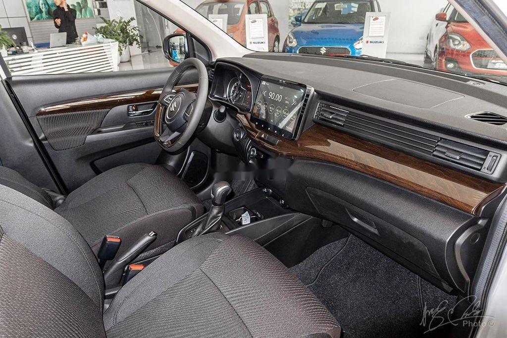 Cần bán xe Suzuki Ertiga sản xuất 2020, màu trắng, nhập khẩu nguyên chiếc (5)