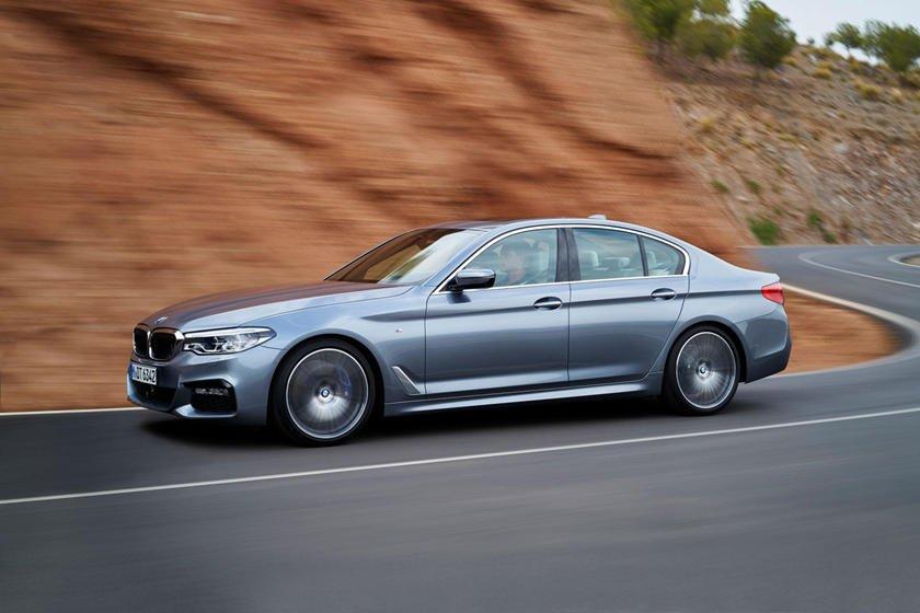 BMW 5-Series là mẫu sedan với hiệu suất quyến rũ.