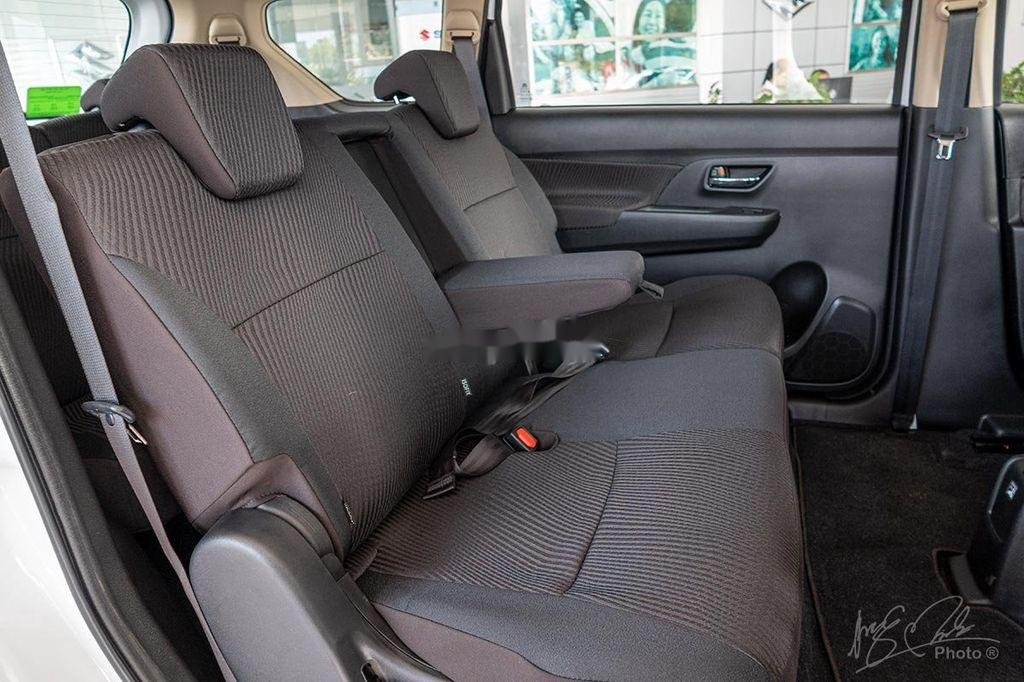 Cần bán xe Suzuki Ertiga sản xuất 2020, màu trắng, nhập khẩu nguyên chiếc (11)