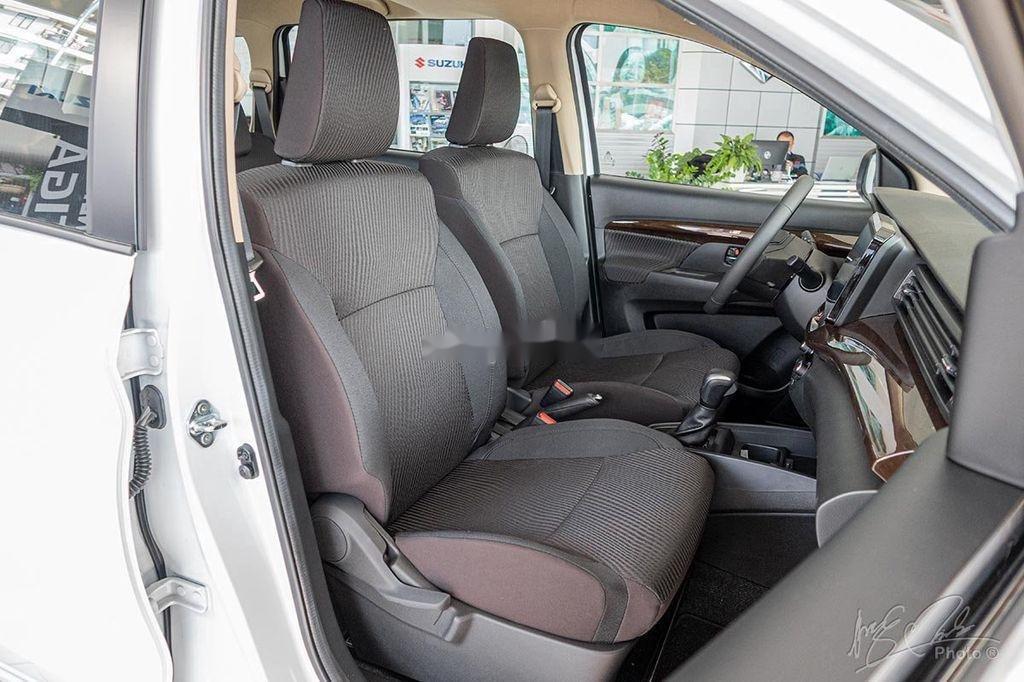 Cần bán xe Suzuki Ertiga sản xuất 2020, màu trắng, nhập khẩu nguyên chiếc (10)