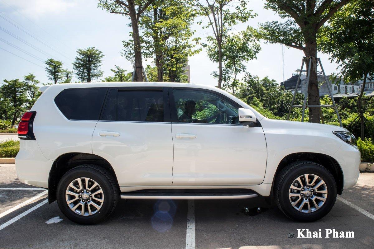 Ưu nhược điểm xe Toyota Land Cruiser Prado 2020 a7