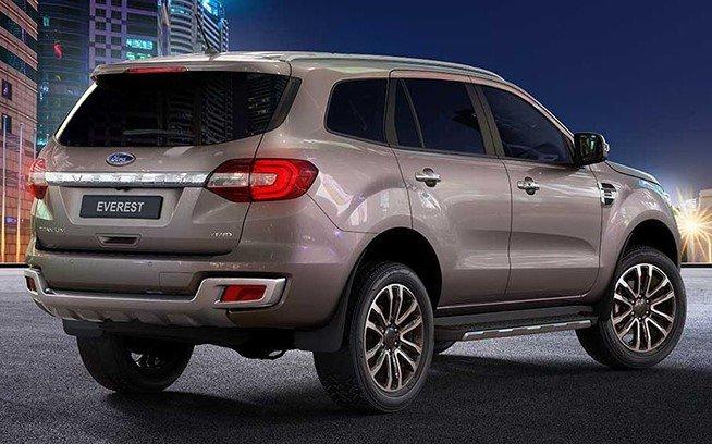 Ford Everest 2021 giá khởi điểm 965 triệu đồng tại Thái, sắp về Việt Nam a4