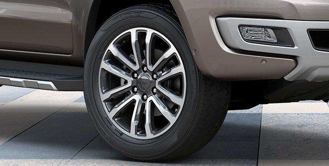 Ford Everest 2021 giá khởi điểm 965 triệu đồng tại Thái, sắp về Việt Nam 1