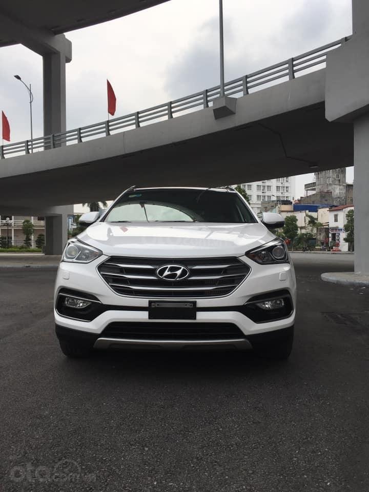 Bán gấp chiếc Hyundai Santa Fe 2.2L 4WD cuối 2017, xe còn mới, giá ưu đãi (1)