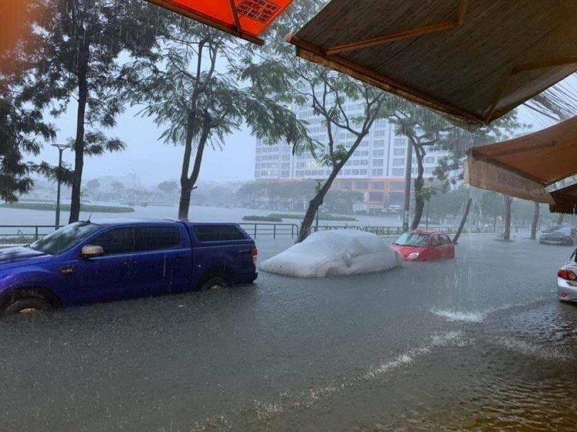Thủ tục hưởng bảo hiểm ô tô bị ngập nước do mưa lũ 1