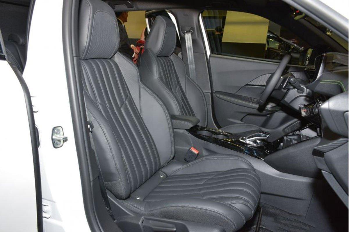 Nội thất Peugeot 2008 - Ảnh 4.
