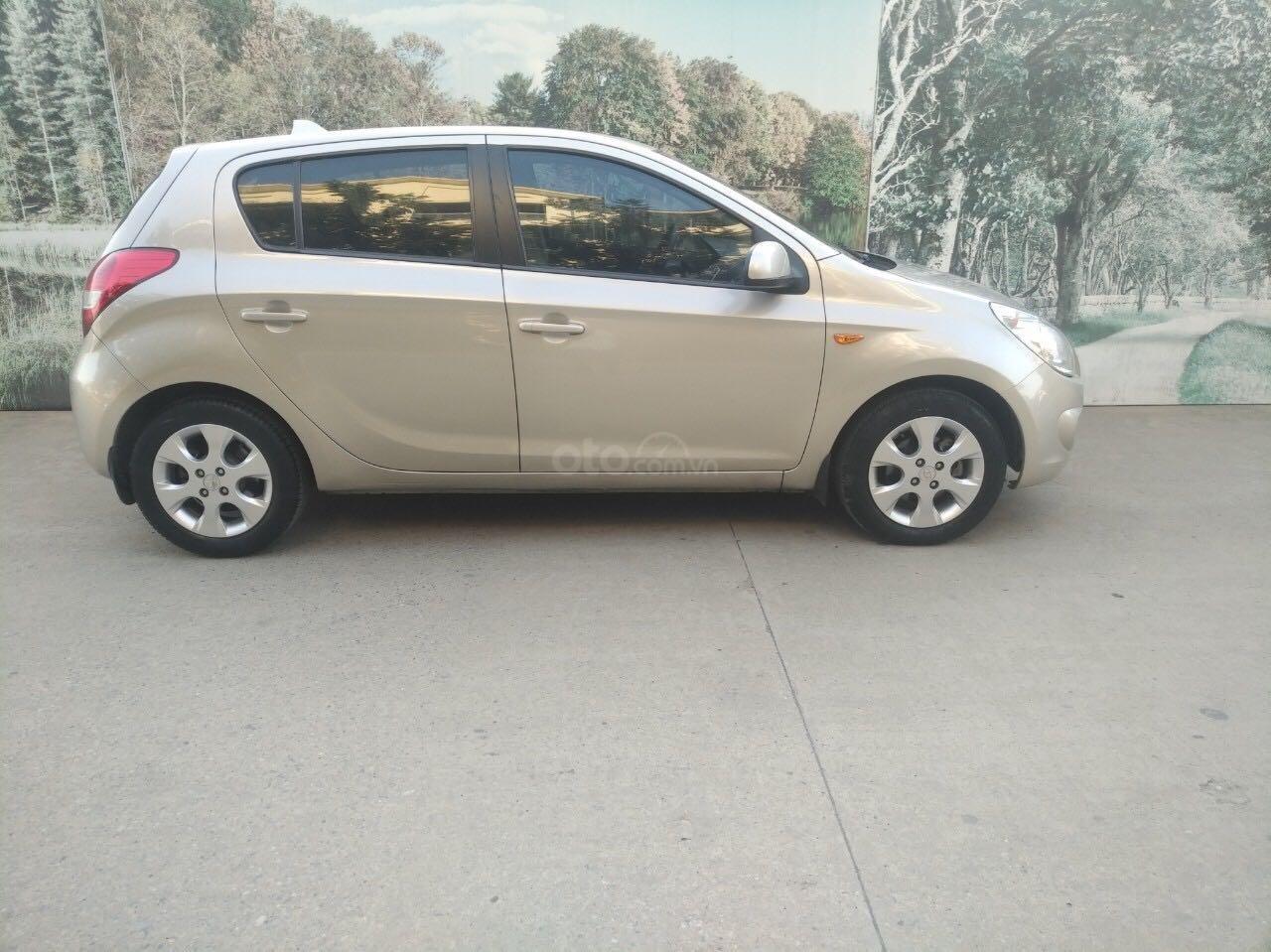 Hyundai i20 1.4AT SX 2011, nhập khẩu giá rẻ (1)