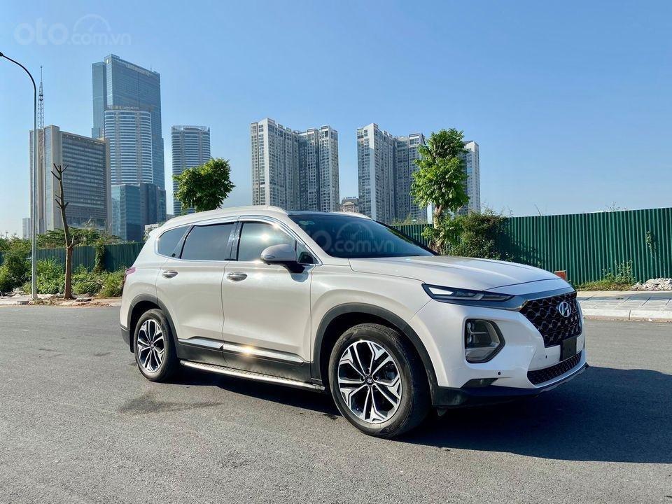 Cần bán gấp với giá ưu đãi nhất chiếc Hyundai Santa Fe máy dầu cao cấp đời 2019, siêu lướt (1)
