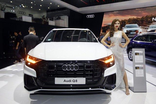Ngoại thất xe Audi Q8 2021.