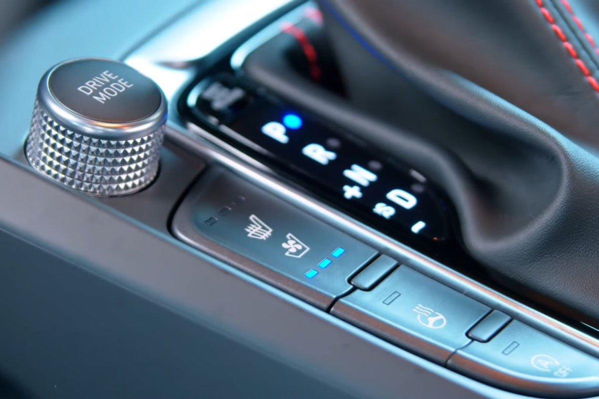 Ảnh Sưởi ghế xe Hyundai Kona 2021