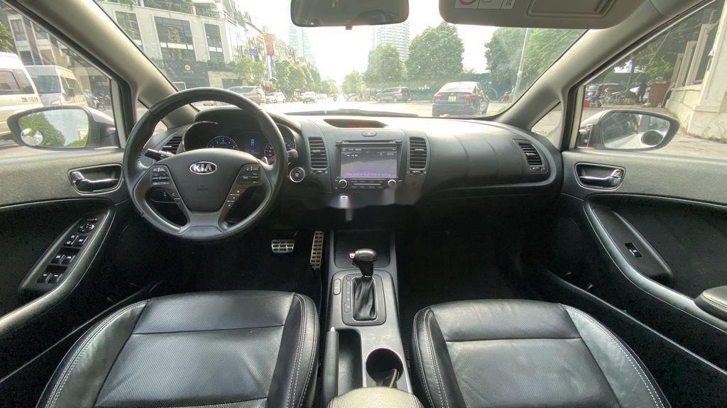 Cần bán xe Kia K3 sản xuất năm 2014, xe một đời chủ giá ưu đãi (10)