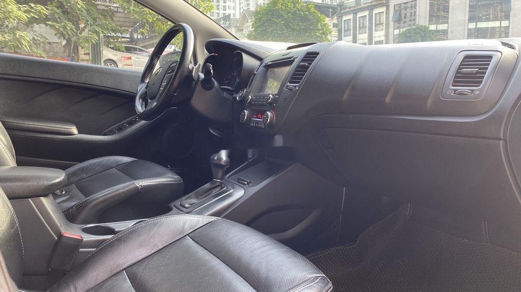 Cần bán xe Kia K3 sản xuất năm 2014, xe một đời chủ giá ưu đãi (7)