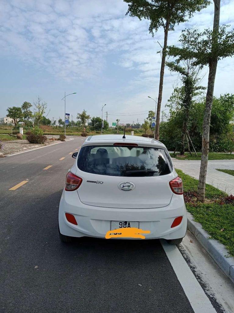 Chính chủ bán Hyundai Grand i10 2015, màu trắng, nhập khẩu (2)