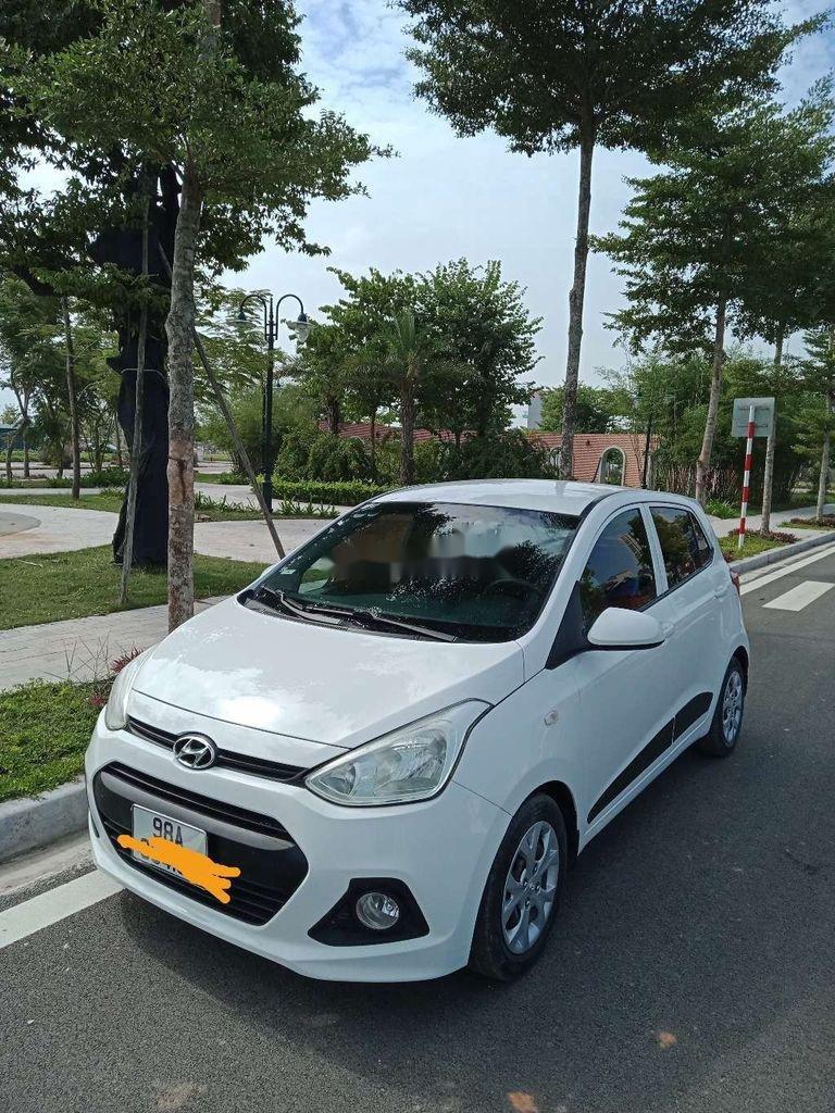 Chính chủ bán Hyundai Grand i10 2015, màu trắng, nhập khẩu (3)