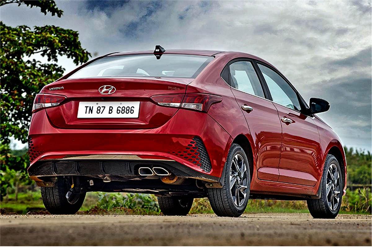 Ảnh Đuôi xe Hyundai Accent 2021