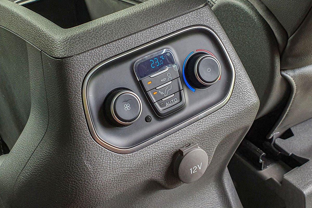 Nội thất Ford Tourneo - Ảnh 6.