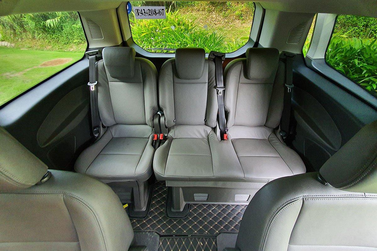 Nội thất Ford Tourneo - Ảnh 5.