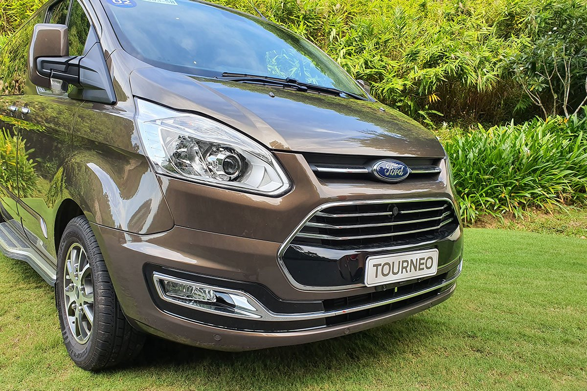Ngoại thất Ford Tourneo - Ảnh 1.