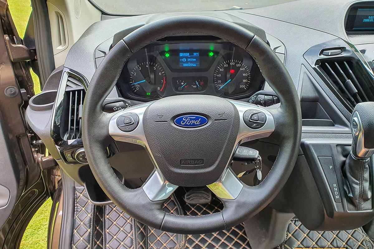 Nội thất Ford Tourneo - Ảnh 1.