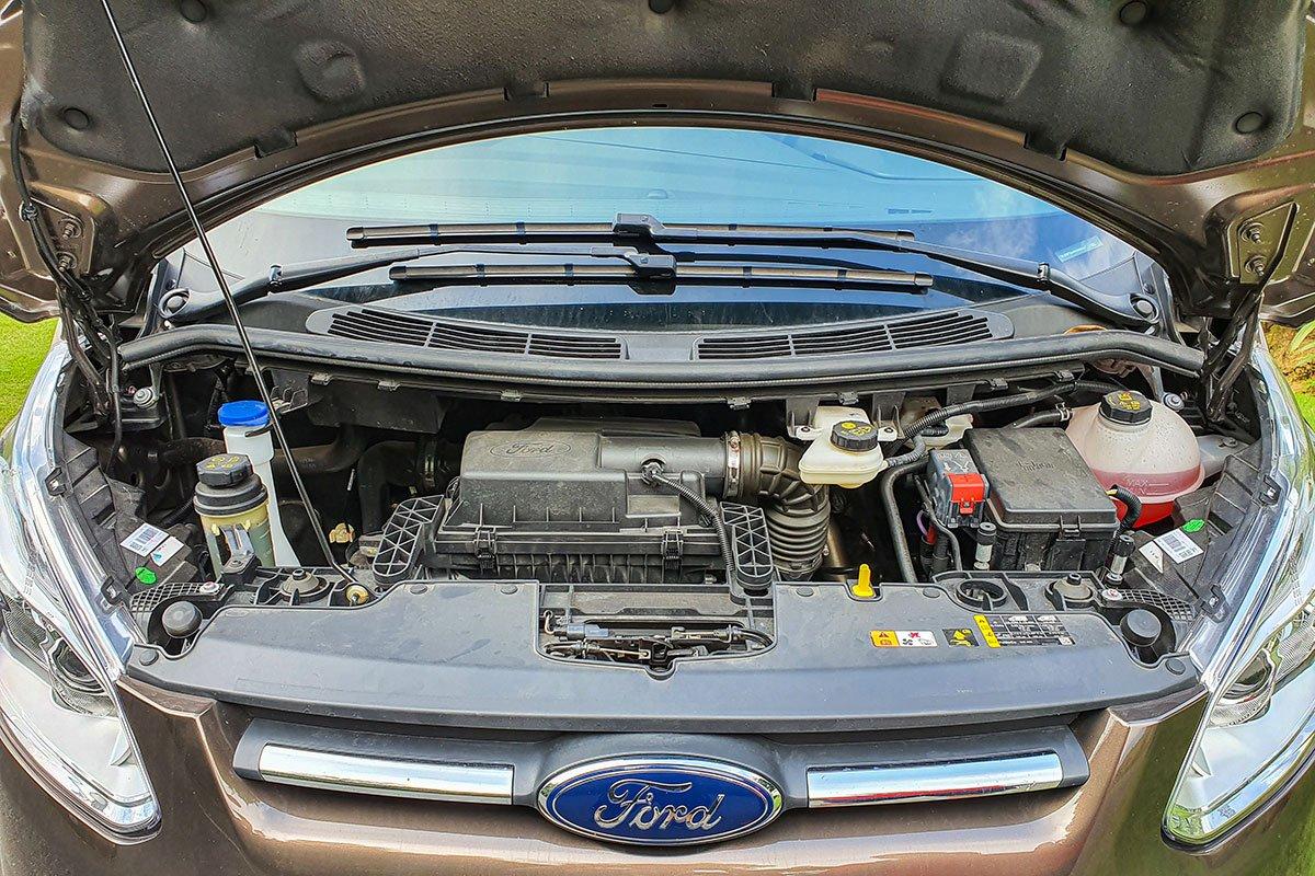 Động cơ trên Ford Tourneo 2021.