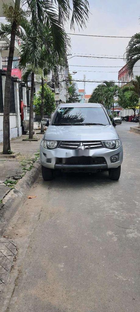 Bán Mitsubishi Triton sản xuất 2011, nhập khẩu nguyên chiếc còn mới (1)